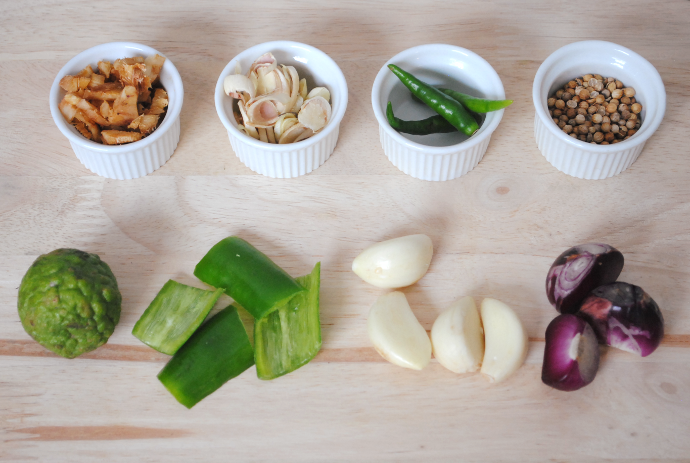Thai green curry ingredients 6