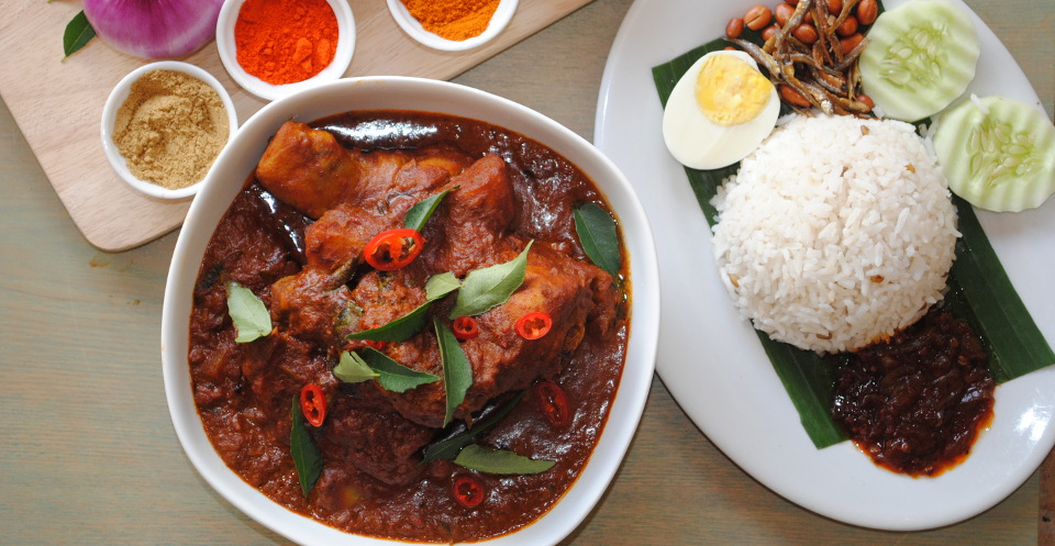Chicken curry with nasi lemak