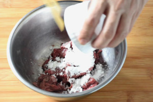 add cornflour to beef