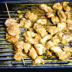Chicken tikka masala - grilling chicken