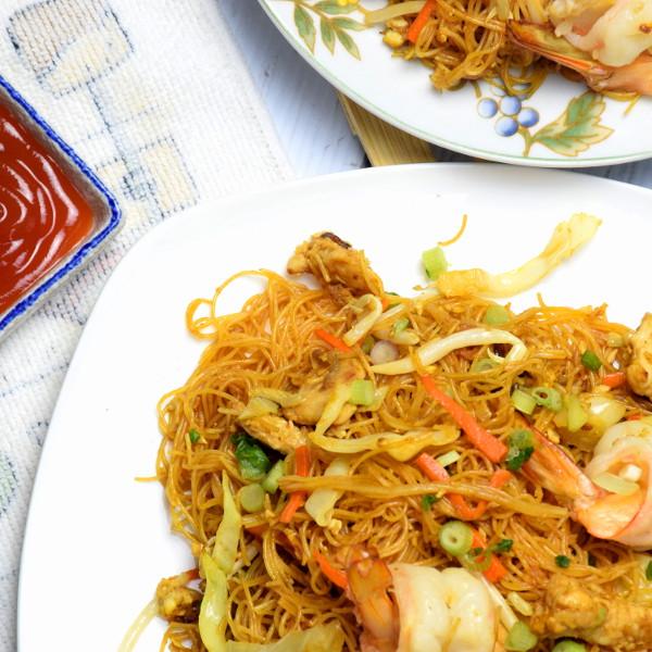Singapore noodles top view