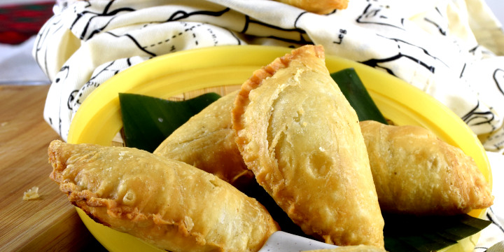 How to make curry puffs in three simple steps