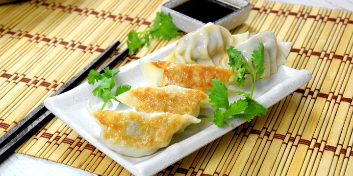 How to make Gyoza 餃子(ぎょうざ) in 4 simple steps