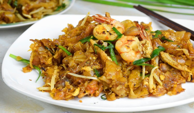 Char Kuey Teow recipe – How to cook the authentic Penang fried noodles (炒粿条)
