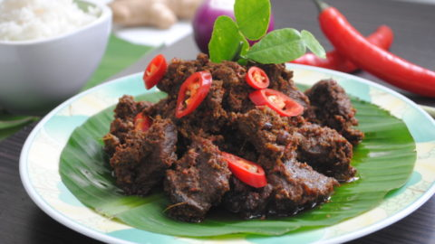 Beef Rendang Recipe (How to make authentic Indonesian Rendang)