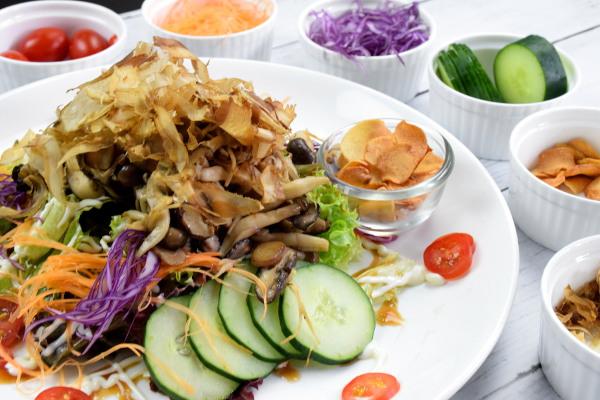 Japanese salad side shot