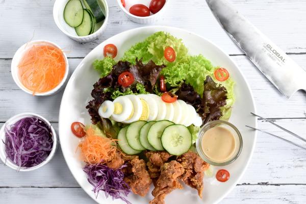 Japanese salad with karaage