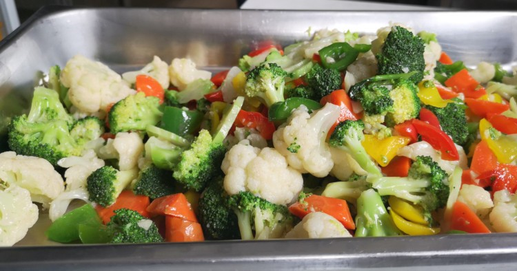 vegetable stir-fry in chaffing tray