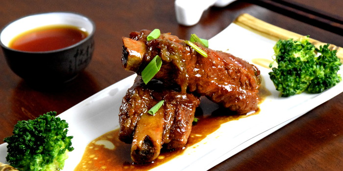 Braised Chinese pork ribs (Wuxi style) 無錫排骨