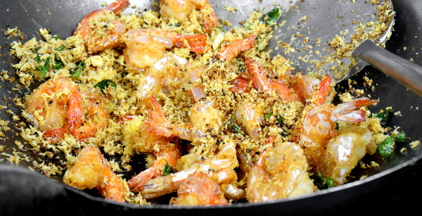 how to cook butter prawns