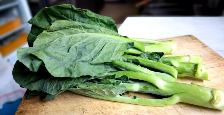Chinese broccoli (Gai Lan) for pad see ew