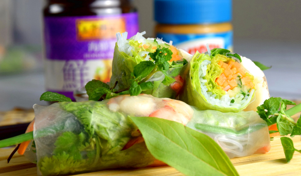 Vietnamese rice paper rolls- How to make (real simple steps)