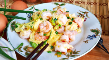 Shrimp with eggs scramble (虾仁炒蛋)