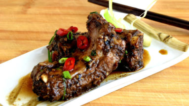 If you have tried the typical Chinese food available regularly in the Chinese restaurant, Chinese spareribs with black bean sauce is one dish that wants to try and appreciate what the ordinary households are cooking at home.