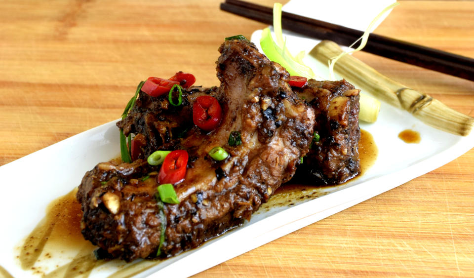 Chinese spareribs (with black bean sauce)