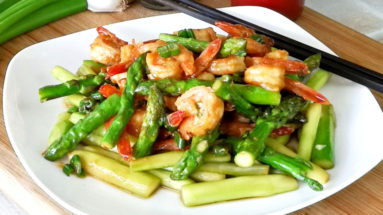 shrimp and asparagus stir fry featured image