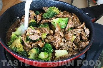 Beef and broccoli stir-fry - cornstarch slurry