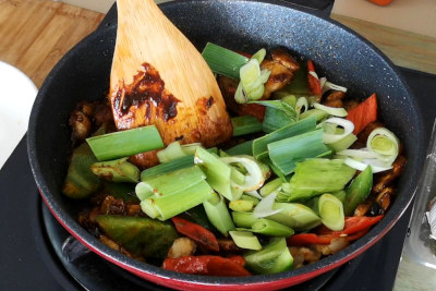 twice-cooked pork - add vegetables