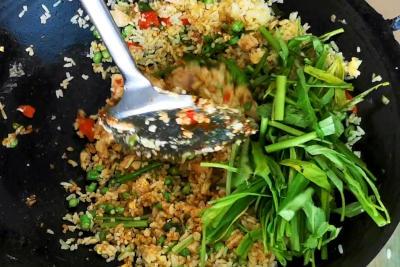 Nasi goreng - add kangkung