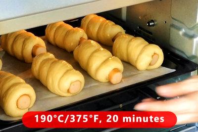 Sausage rolls - baking
