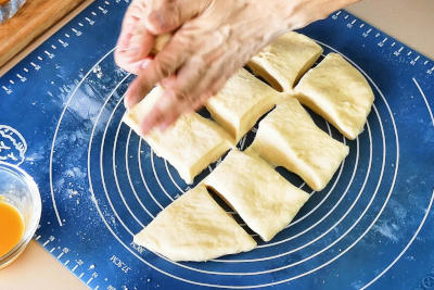 Sausage rolls - portion