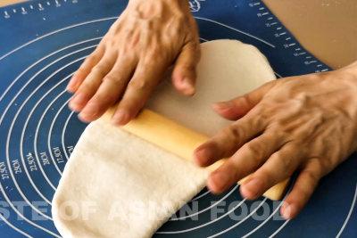 xiao log bao - roll dough