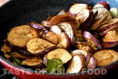 How to cook eggplant - return eggplant to pan