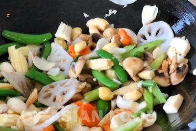 chap chye - stir fry vegetables
