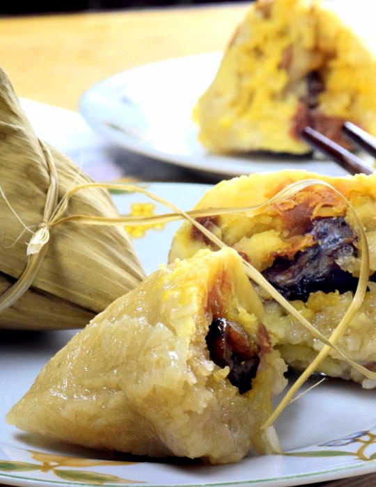 How to make Zongzi for Dragon Boat festival. Best Cantonese aongsi recipe.