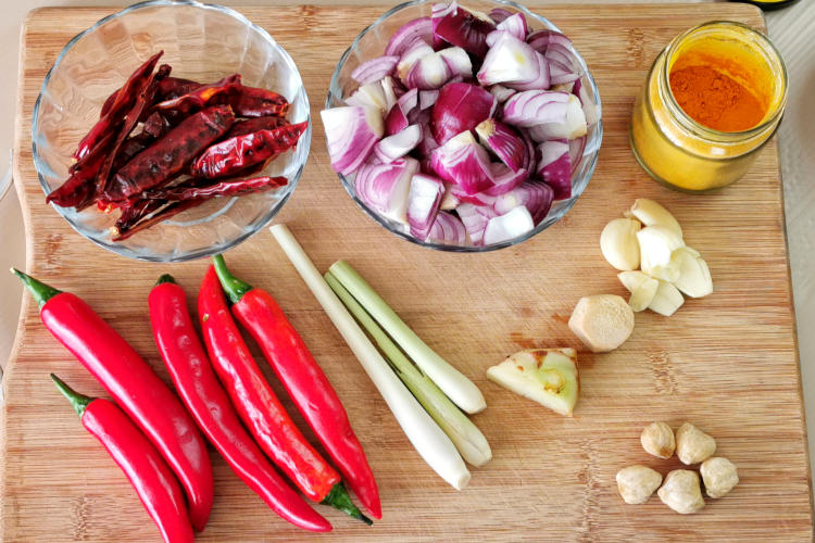 The star of the Devil's curry is the sauce which is made with a multitude of spices.  Here are the list of ingredients.